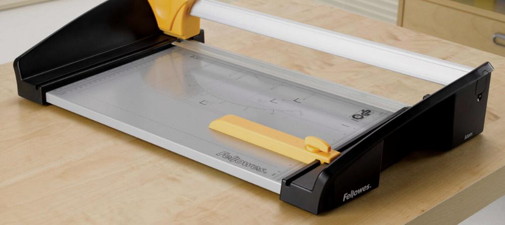 Trymery biurowe - cięcie proste, faliste i bigowanie. Sposoby cięcia papieru.