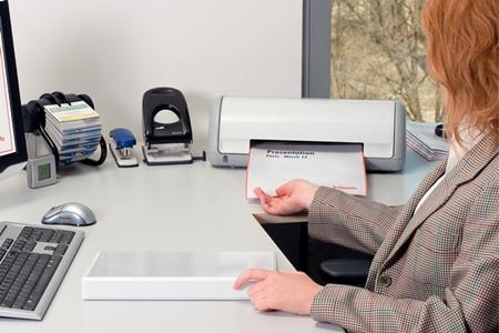 Segregatory ofertowe Esselte w biurze