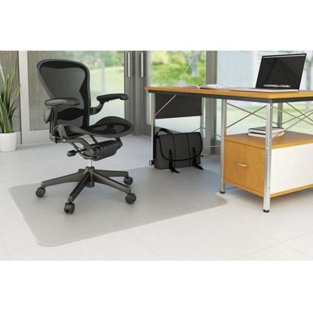 """Mata pod krzesło Q-CONNECT na twarde podłogi kształt """"T"""" 134,6x114,3cm"""